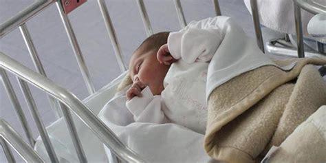 neonato nella giarre neonato abbandonato nella per la vita