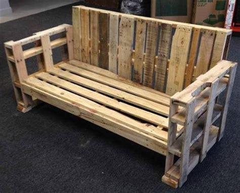 faire un canapé avec des palettes canapé chaise banc un meuble en palette pour tous