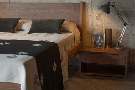 Solid Walnut Bed &dm69