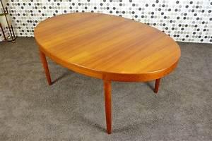 Table Ovale Scandinave : table ovale scandinave en teck vintage 1960 de harry ostergaard ~ Teatrodelosmanantiales.com Idées de Décoration