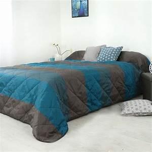Couvre Lit Bleu : couvre lit 230 x 250 cm bergame bleu canard couvre lit boutis eminza ~ Teatrodelosmanantiales.com Idées de Décoration