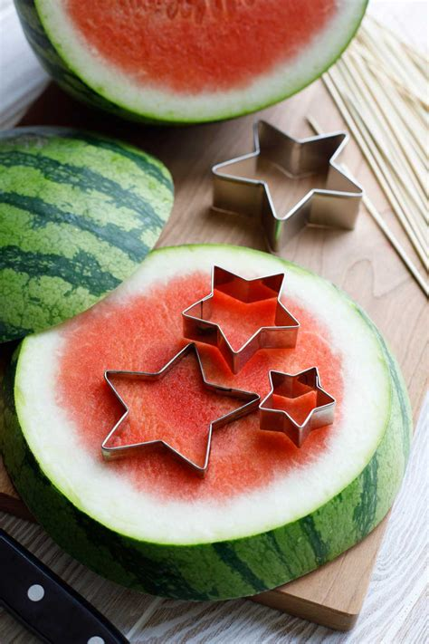 red white  blue fruit kabobs  ways appetizer