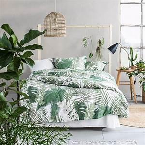 Deco les 3 tendances de l39ete lit minimaliste style for Chambre à coucher adulte moderne avec housse de couette motif arbre