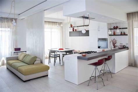 salon et cuisine cuisine ouverte sur salon une solution pour tous les espaces