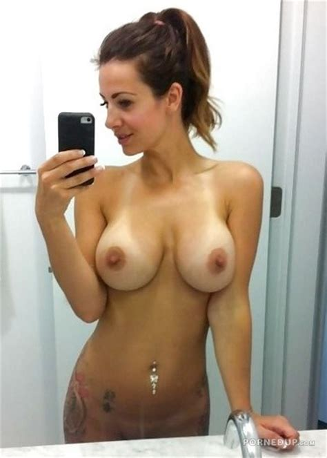 Nice Tits Girlfriend Nude Selfie Porned Up