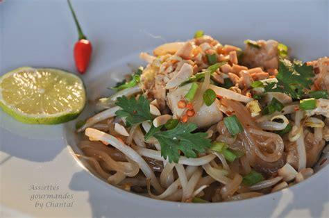 recette de cuisine gastronomique recette de pad thaï nouilles de riz sautées au poulet