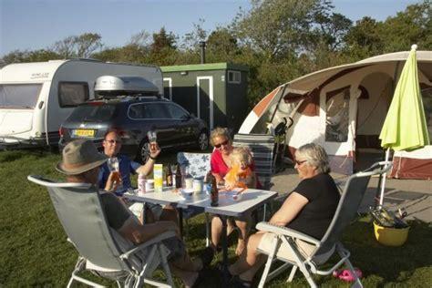 kampeerplaats comfort  lekker luxe kamperen met uw
