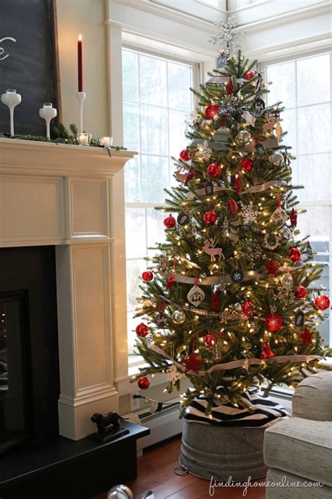 stylish christmas tree decorating ideas   home