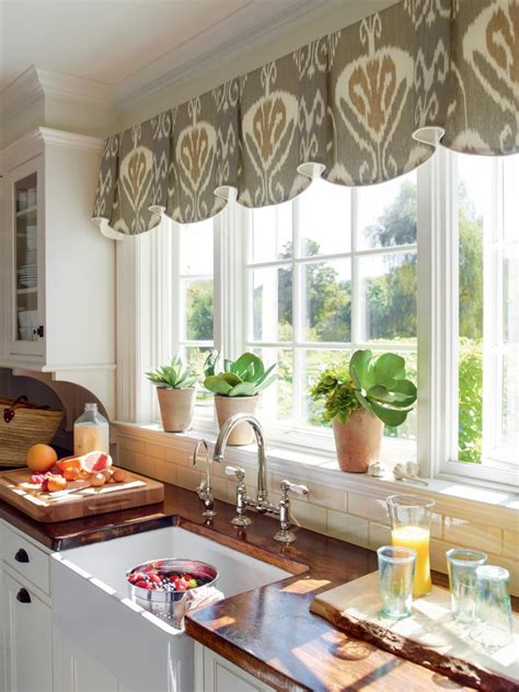 Decorating Ideas For Kitchen Windows by 10 Stylish Kitchen Window Treatment Ideas Window