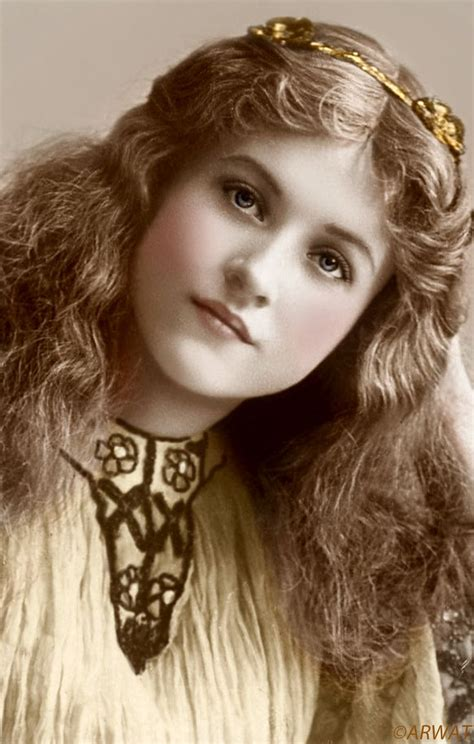 History and Women: Vintage Beauty