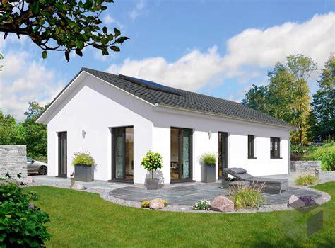 Moderne Häuser U Form by Massivhaus Bungalow 100 Town Country Haus