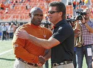 Eyes back on Texas coach Charlie Strong after another loss ...