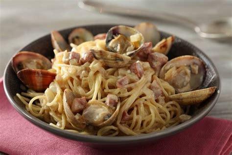recette de spaghettini aux palourdes et chorizo jus de vin blanc au c 233 leri facile et rapide