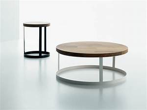 Round wood and metal side table round metal coffee table for Round wire coffee table