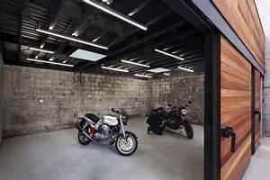 Garage Beke Automobiles Thiais : 25 best ideas about motorcycle garage on pinterest motorcycle gear store casco store and ~ Gottalentnigeria.com Avis de Voitures