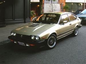 Alfa Romeo Gtv6 Occasion : old parked cars 1982 alfa romeo gtv6 ~ Medecine-chirurgie-esthetiques.com Avis de Voitures