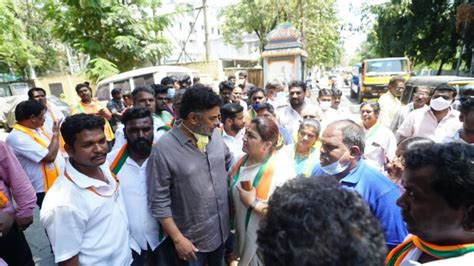 Sundar C joined Mrs Kushboo in election campaign at ...