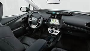 Prius Hybride Rechargeable : toyota prius la berline hybride et rechargeable garage brunel ~ Medecine-chirurgie-esthetiques.com Avis de Voitures