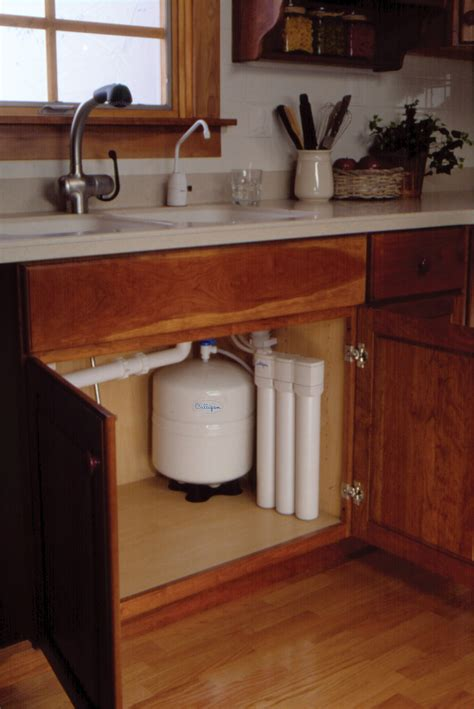 under sink ro what exactly does a reverse osmosis system do