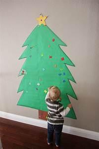 Weihnachtsbaum Basteln Papier : diy 18 alternative christmas trees safe for toddlers ~ A.2002-acura-tl-radio.info Haus und Dekorationen