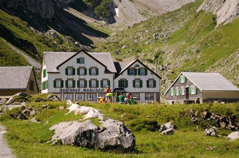 Tiny Häuser In Der Schweiz by Wanderungen Zu Historischen Berghotels Erm 246 Glichen Eine