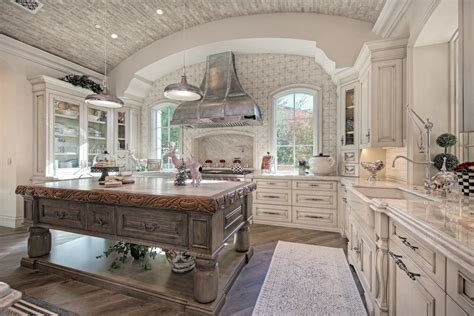 Fratantoni Interior Designers French Villa