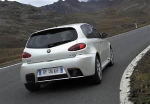 Avis Alfa Romeo 147 : fiche technique alfa romeo 147 gta selespeed 2004 ~ Medecine-chirurgie-esthetiques.com Avis de Voitures