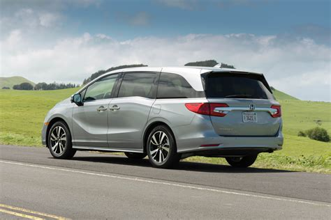 2018 Honda Odyssey Elite First Drive  A Van For Drivers