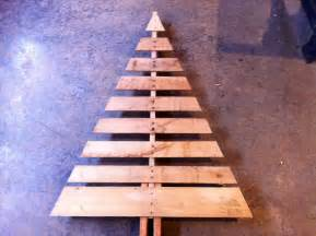 pallet tree with lights diy and crafts