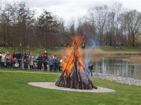 Britzer Garten Ostern by Eiersuche Im Gr 252 Nen Buntes Oster Programm F 252 R Familien Im