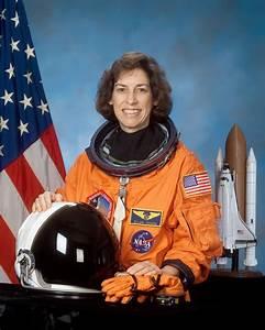 File:Ellen Ochoa.jpg - Wikipedia
