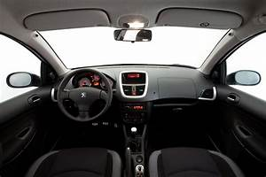 2012 Peugeot 207 Photos  Informations  Articles