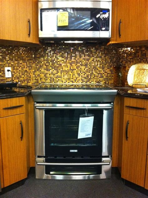 type  stove    panel  microwave