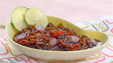 Mau tau bagaimana cara membuat sambel lalapan yang enak dan tentu saja pedas? Resep Sambal Kecap Bawang Enak, Rasa Pedas Gurih Bikin Makan Siang Tambah Nikmat - Sriwijaya Post