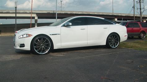 Jaguar Xjr Wallpaper