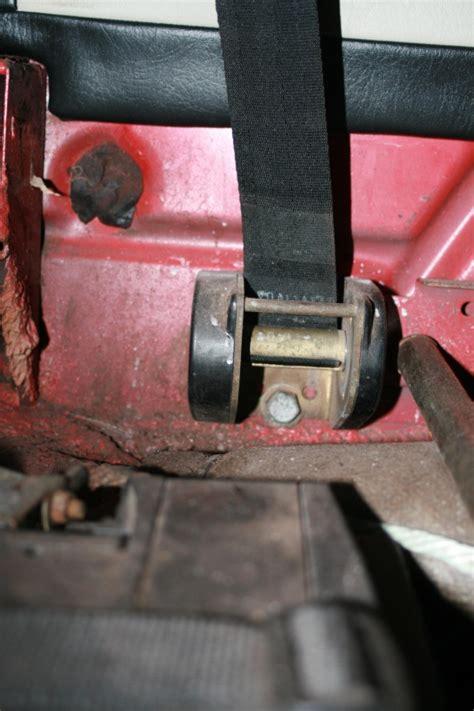 siege auto ceinture ventrale ceinture sécu cox cab 1302