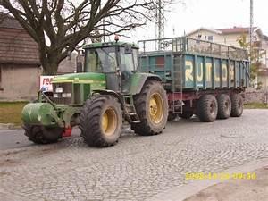 Traktor Mit Hänger : traktor mit h nger steht am am ehmaligen ~ Jslefanu.com Haus und Dekorationen