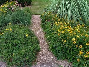 Rindenmulch Als Gartenweg : gartenweg aus rindenmulch so setzen sie ihn wirkungsvoll ein ~ Lizthompson.info Haus und Dekorationen