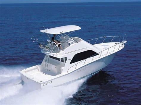 Cabo Boats by Research 2011 Cabo Yachts 43 Flybridge On Iboats