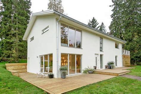 A house that s plain and simple on the outside but