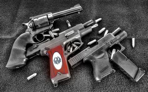 Guns And Ammo   HDR creme