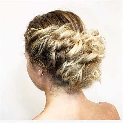 Hairstyles With Texture by 34 Cutest Prom Updos For 2019 Easy Updo Hairstyles