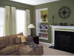 Photos Of Living Rooms With Green Walls by Sage Green Living Room Walls Green Living Room Pinterest
