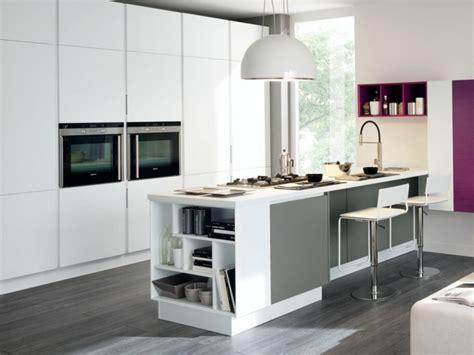 cuisine blanc et violet cuisine blanc gris violet idées de décoration et de