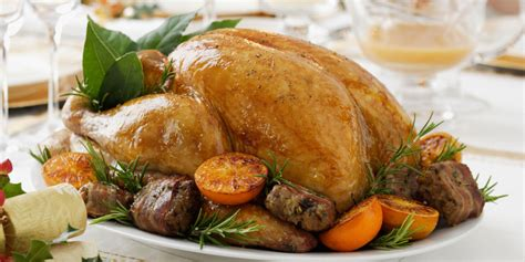 christmas dinner food 5 easy christmas dinner menu ideas complete christmas dinner menus country living