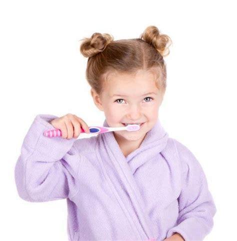 Atsauksmes par zobu implantiem.: Kā izvairīties no zobu kariesa bērniem?