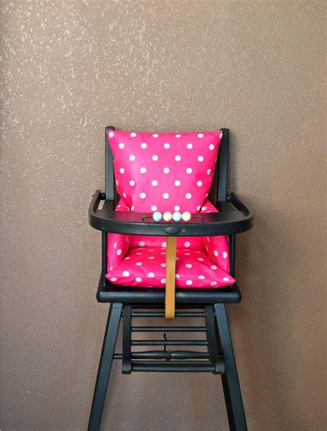 coussin pour chaise haute bebe en bois ouistitipop