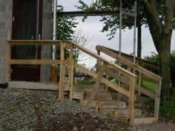 treppen fliesen auãÿenbereich bautreppe aussenbereich aus holz und kiesschuettung da freut sich der handwerker die bauherren
