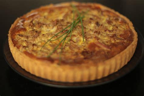 herve cuisine recette de la tarte au thon poivron et herbes par hervé