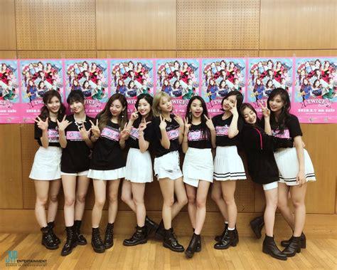 Twice Japan Official (@jypetwice_japan)